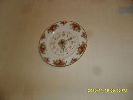 ROYAL ALBERT OLD COUNTRY ROSE CHINA CLOCK