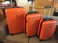 3 piece suitcase set brand new has wheels