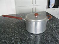 "Vintage Retro 1950's Crown Merton Aluminium Saucepan - Burgundy - 8"" / 7 Pints"