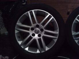 Vectra and arstra 5 stud alloy wheels with tyres