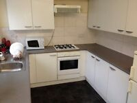 ROOM TO LET, DOUBLE, GREAT HOUSE OF NARBOROUGH ROAD, CLEAN AND QUIET PROPERTY WITH BILLS INCLUDED