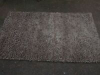 Rug, chunky wool two tone. only 1year old. 3ft x 5ft.