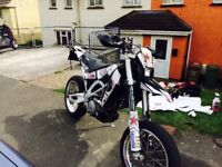 Sxv550 supermoto v-twin low miles