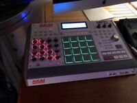 Akai MPC Renn as new with box cds everything it came with