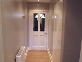 **Modern 2 Bed Flat, Eliott Street,- Part Furnished, Close to town centre & Railway station
