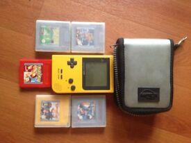 Pocket GameBoy + Carry Case + 5 games