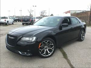 2016 Chrysler 300 S**8.4 TOUCHSCREEN**NAV**SUNROOF**BACK UP CAM*