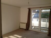 ONE KINGSIZE BEDROOM FURNISHED WITH BALCONY TO LET