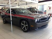 2014 Dodge Challenger R/T WITH LETAHER AND SUNROOF