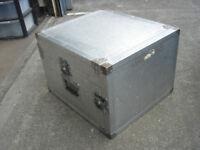 Strong Ali mixer/amp Flight case