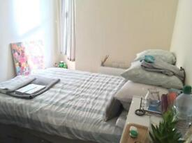 Double room available in trendy ANGEL