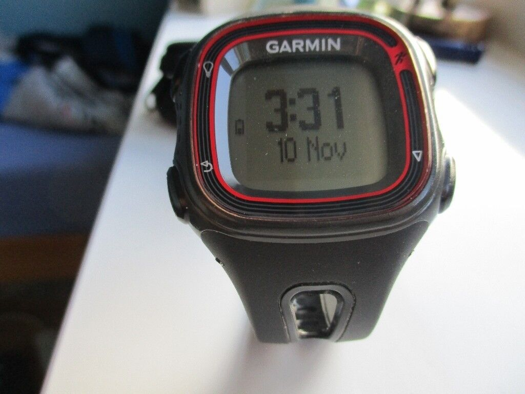 Garmin Forerunner 10 GPS Watch..nearly new.. a great starter GPS watch. simple and easy to use. ..,,