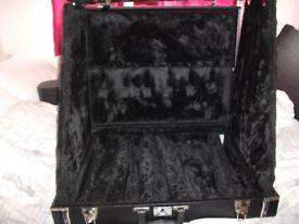 black rat guitar stand holds 6 guitars