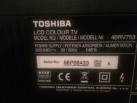 40 Toshiba Regza model 40RV753 Full HD 1080p Digital Freeview HD LCD TV +stand+remote