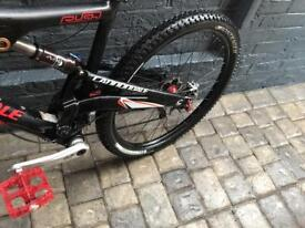Full suspension, hydraulic raised seat Cannondale Mountain Bike