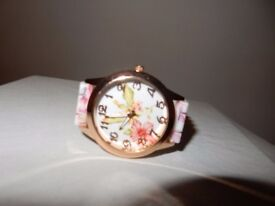 HOT Classy Womens Vogue Floral Wrist Watches Ladies