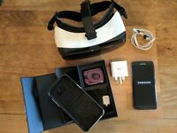 Samsung Galaxy S7 Edge (Unlocked) in Onyx Black with Samsung Gear VR Headset - Immaculate