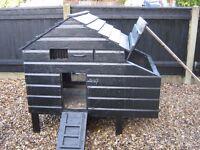 Large Chicken Hut