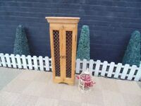 SHESHAM JALI CD RACK SOLID WOOD UNIT AND IN EXCELLENT CONDITION 38/22/96 cm £30