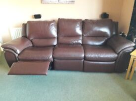 Chocolate brown 4 seater double recline leather seater setee