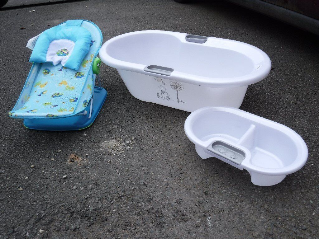 Selection of Baby Items (Bath, Bathing Chair, Moses Basket &Bouncer ...