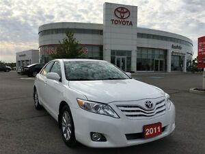 2011 Toyota Camry XLE - Leather & Moonroof!