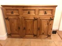 Cabinet/Chest of Drawers