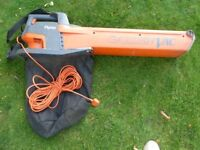 Flymo garden leaf blower / vacuum