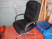 Dark grey cloth computer chair with chrome frame in VGC