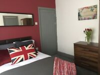 Luxury Double Bedroom with Ensuite for Professionals/Mature Students