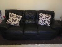 Black leather suite - can deliver