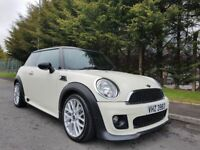 AUGUST 2013 MINI COOPER DIESEL ( CHili + Pack ) 1OWNER FROM NEW JOHN COOPER WORK'S BODYKIT +INTERIOR
