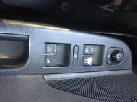 Volkswagen VW Golf electrical unit with all window switches, locking and mirror switch, working