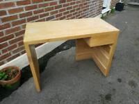 Habitat Desk - Solid Wood - Must Go