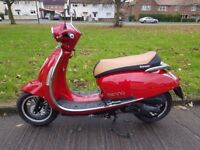 Lexmoto Vienna 2016 125cc Scooter 477 Miles ONLY Vespa Piaggio 125 motorcycle THIS SCOOTER IS AS NEW