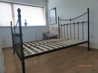VICTORIAN STYLE DOUBLE BED