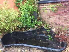 Pre formed large garden pond no leaks size approx 178cm long x 135 cm x 60 cm deep good condition