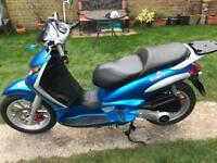 Piaggio Beverly 125 scooter moped