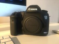 canon 5d mark 3 only 833 shutter count mint condition
