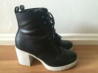 """NEW LOOK"" FASHIONABLE BOOTS SIZE 5"