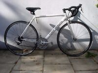 Mens Road/ Racer Bike by Genesis, White, Light Weight & Fast, Top Spec, JUST SERVICED/ CHEAP PRICE!!