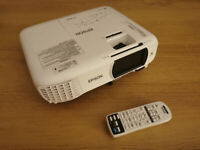 Epson EH-TW650 Full HD 1080p Projector - White + Remote and Power Cable