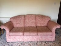 £100 Top quality 3 seater sofa + 2 seater sofa + 2 x armchairs + footstool for sale.