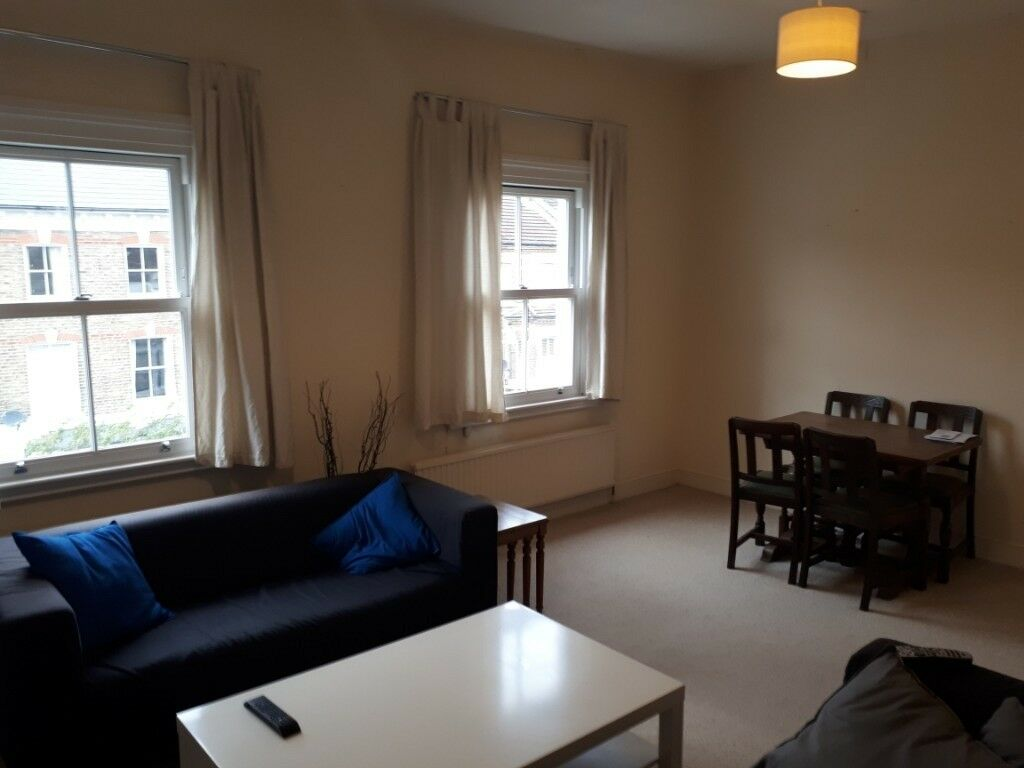 Spacious one bedroom flat close to Clapham Junction   in ...