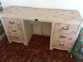Dressing table/sideboard