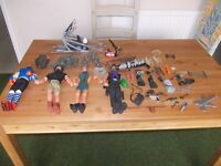 Four action men plus many accessories very good condition
