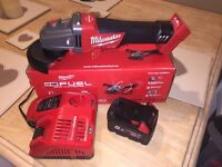 NEW!! Milwaukee fuel brushless 18v grinder, charger, 5ah battery