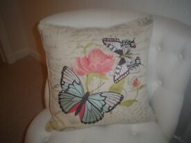 NATURAL LINEN TYPE CUSHION WITH EMBROIDERY