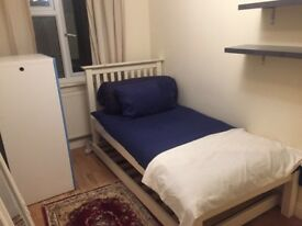 Lovely self contained single studio in ISLEWORTH all bills included