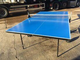 Blue Dunlop EVO 500 Table Tennis Table (inc. 2 bats 6 balls) *ASSEMBLED* (good condition)